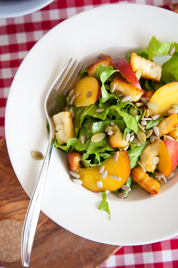 Endive and peach salad