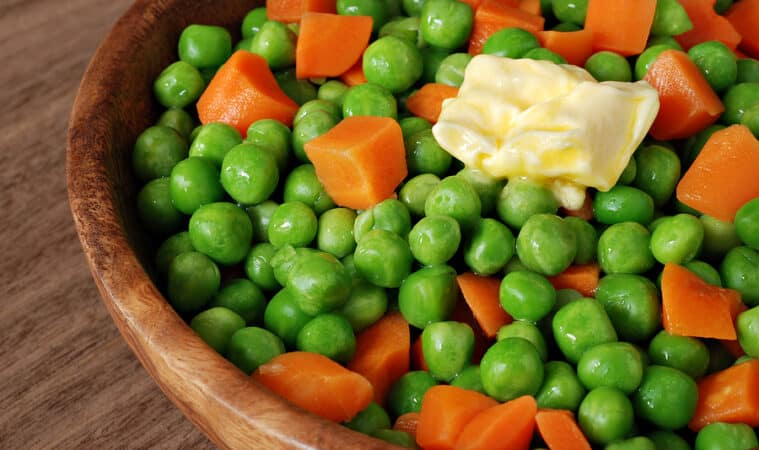 Steamed peas and carrots